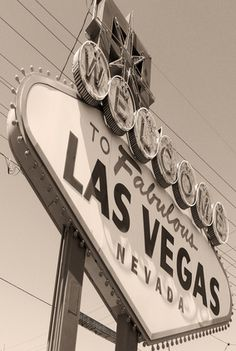 "How to Create a ""Welcome to Las Vegas"" Sign"