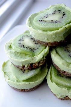 Key Lime Tarts (Dairy  Gluten Free) - No refined sugars or flours, just pure healthy deliciousness!