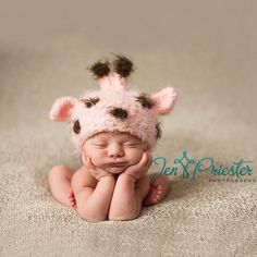 Pink Baby Giraffe - this is why God gave me boys.  My baby girl would have rocked this little beanie!