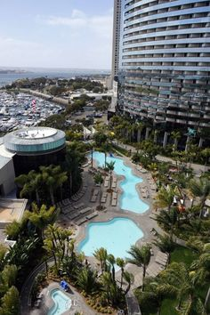 Lagoon Pool, Marriott Marquis & Marina, San Diego – Hotel Review: Marriott Marquis & Marina, San Diego 2013 | Popular Cruising (Image Copyright ©  Jason Leppert) LUV LUV LUV . I want to be by this pool !!!!