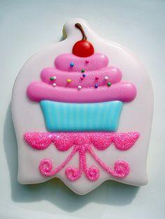 Cupcake cookie using upside down tulip cutter