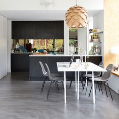 pendant lamps, dine, interior design kitchen, concret floor, black kitchens
