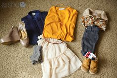 Great tips on how to select clothing colors, textures, and patterns for family pictures!