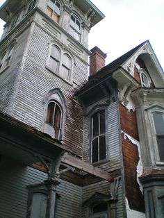 The F. W. Knox Mansion / Old Hickory Hotel & Tavern. Coudersport, PA, July 26, 2009. by lblanchard, via Flickr abandon beauti, abandon hous, favourit place, urban ruin, abandon build