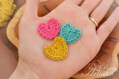 Free Crochet Pattern for these tiny little hearts...this pattern is so quick and easy, you could make dozens in no time, love it!