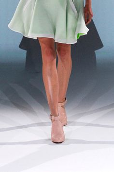 Hussein Chalayan Spring 2013  Repinned by www.fashion.net