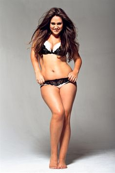 Everyone's body shape is different but I personally love healthy curves, to me her body is so ideal. Beautiful!