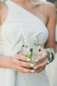 Formal Southern Wedding on SMP -- Fun signature drink | Photography: onelove photography