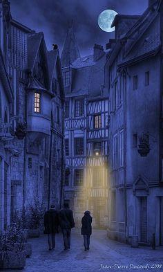 Night Walk - Vieux Rouen - France. Moon.