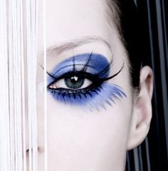 Blue and black eye makeup - Awesomely long lashes