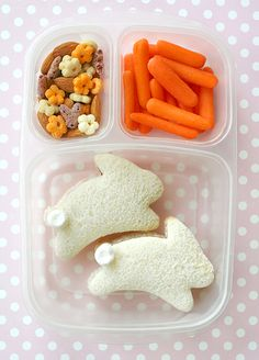 A wonderfully cute - totally Easter worthy - bunny themed bento lunch. #cooking #food #beautiful #bento #Japanese #lunch #kawaii #cute