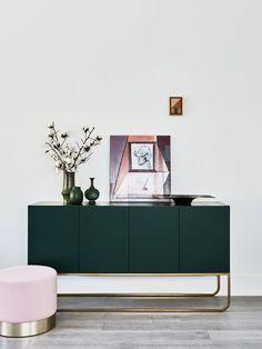 Gorgeous Green Console | Modern Design | Interior Design | Inspiration | via Est. Living