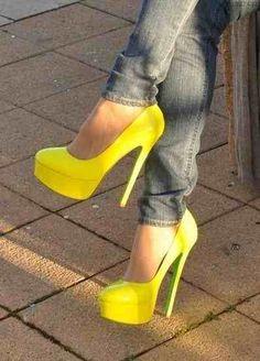 żółte szpilki