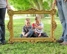 frame prop for family pics via littlelovables