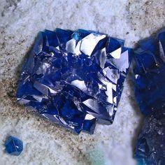 Cornetit xx | Bildbreite 2,5mm |Cu3(PO4)(OH)3 Kolabi, Kongo