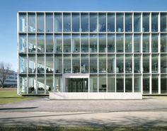 Office Building 200 by Nissen & Wentzlaff Architekten.