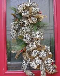 Want this for Christmas time on the front door!
