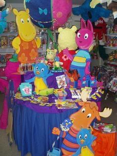 The backyardigans party ideas on pinterest birthday for Backyardigans party decoration