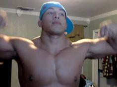 Video: Mexican-American Muscle Stud Braulio Bonilla Bounces His Pecs