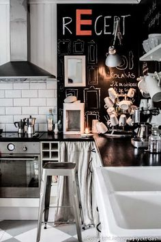 Chalkboard Kitchen! Subway tile backsplash