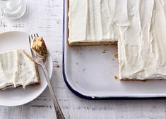 This sheet pan cake has the perfect balance of banana flavour with a subtle spiced cardamom cream cheese.