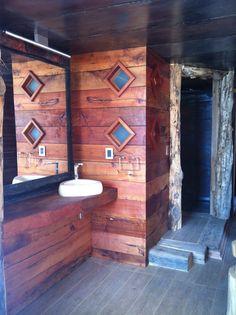 Ba os rustico on pinterest rustic bathrooms bathroom - Arquitecto de interiores ...