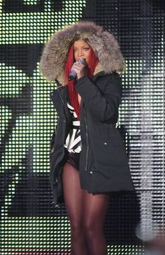 Rihanna rocks Times Square