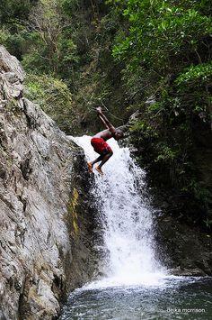 Jamaica - honeymoon and irie people = fantastic memories #jamaica #island #reisjunk #travel #world #explore www.reisjunk.nl