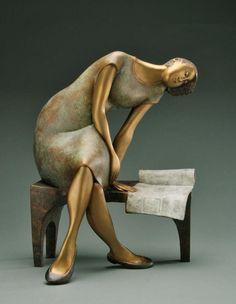 """""""Journal d'hier"""" - Bronze sculpture by Hélène Labrie"""