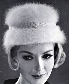 Knitted Hat pattern from High Fashion Hats, originally published by Bernhard Ulmann, Volume 62, in 1961.