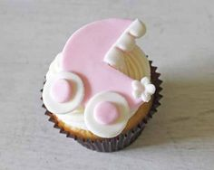 How to Make Baby Carriage Cupcake Toppers • CakeJournal.com