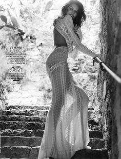 laetitia casta beach shoot6 Sea & Sun: Laetitia Casta Gets Sultry for Nico in Madame Figaro