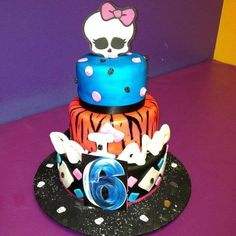 Monster high  Cake by nelly monster high cakes