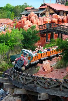 Big Thunder Mountain Rail Road  - Disney World, Orlando #disney #bigthundermountain