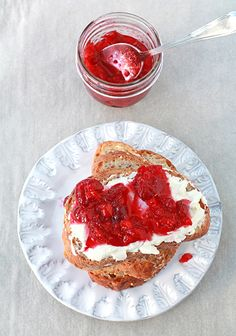 Spicy cranberry pepper jelly