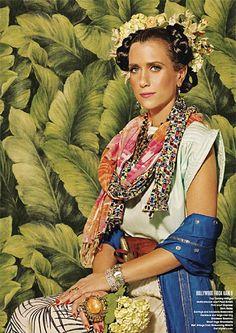 Kristen Wiig + Frida