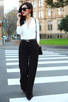 Binomio Perfecto: Black and White http://fashionbloggers.pe/lorena-sotelo/binomio-perfecto-black-and-white