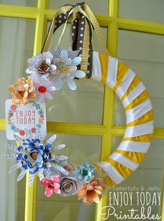 """Enjoy Today"" Printables and Spring Wreath! #ShutterflyDecor #DIY"