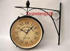 Side Mounted Wall Clock