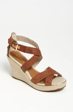 Want these wedges!