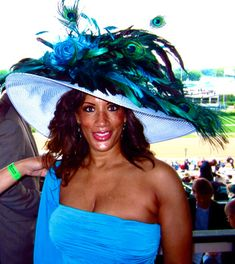 Derby hat inspo - feathers. #KentucyDerby #Hats #DIY #Feathers