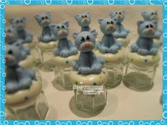 Frascos decorados con porcelana fría, con o sin relleno de bombones, caramelos. Souvenirs Nacimiento, Primer Añito.