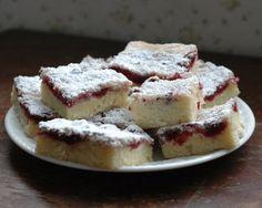 raspberri cake, cake bars