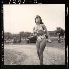 The lost photos of Bettie Page (photographer: Weegee)