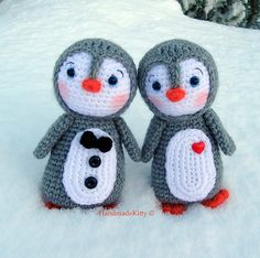 Kawaii Amigurumi Penguin couple crochet pattern♥ by HandmadeKitty=^_^=, via Flickr