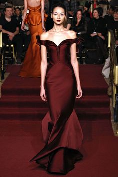 Zac Posen (Fall 2013 RTW) - this dress would be stunning on any star, but I think it would have been a way prettier option for Nicole Kidman than her stiff sequin number.