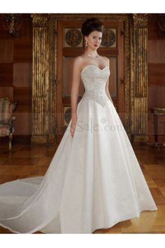Splashing Sweetheart Princess Wedding Gown with Embroidery and Basque Waistline