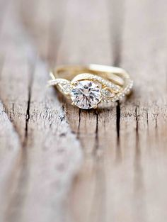Wilson Diamonds: Ring Style Number R5546E #vintagering #yellowgold #wilsondiamonds