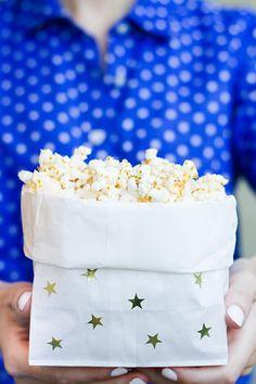 Easy #DIY Popcorn Bags www.mamabargains.com 50-80% off mom, kid, baby