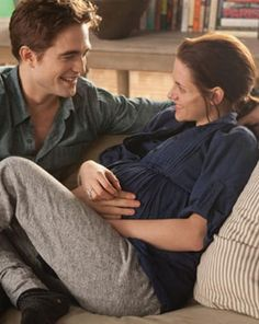 Awwww ♥ ! Edward And Bella -Breaking Dawn Part 1.. I love when he can read the babies mind.